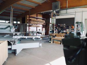 Holzfabrik48° Fertigung Maschinenpark Formatkreissäge Hobelbank